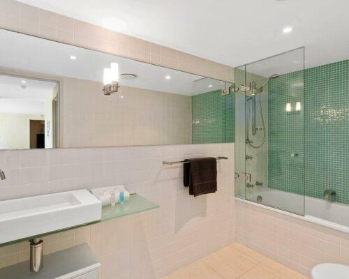 2-bedroom-superior-AC-ocean-view-(9)